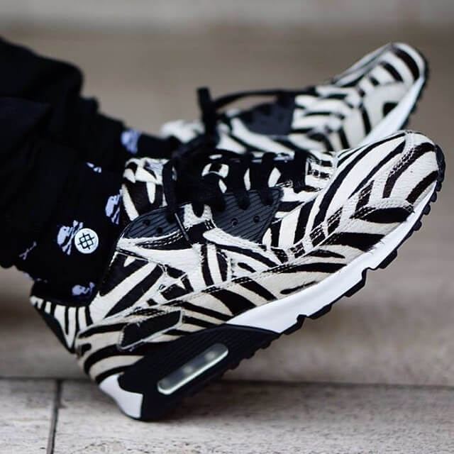 best service 5d112 a44d7 ... feel like running in the dirt like an energetic zebra on a safari! With  this synthetic material that reminds us more of pony hair, your expeditions  will ...