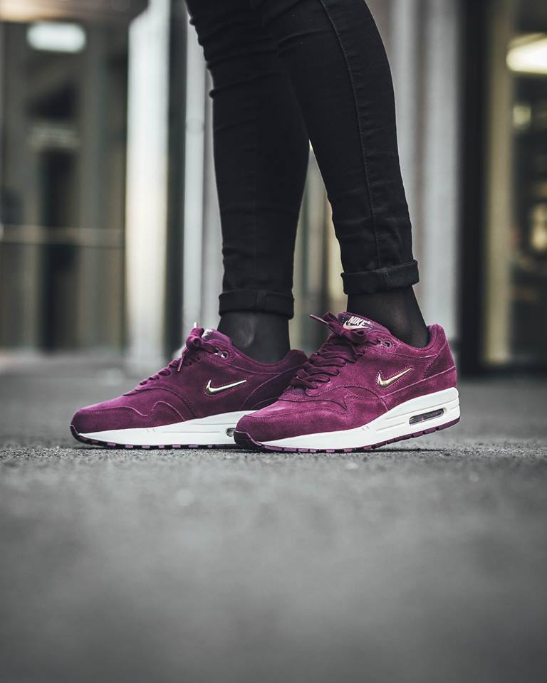 check out the nike air max 1 premium draped in bordeaux. Black Bedroom Furniture Sets. Home Design Ideas
