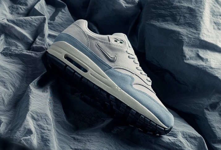 sports shoes 1e0e8 bde8e ... Nike Air Max 1 Premium Royal Tint available now at select retailers  such as Feature. Take a detailed look at these images below and be sure to  pick up a ...